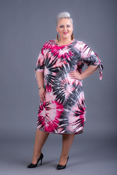 Sukienka wzory różowa