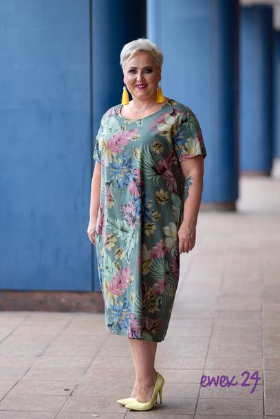 Sukienka midi w kwiaty khaki