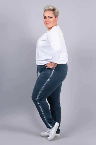 Spodnie dresowe z lampasem niebieskie