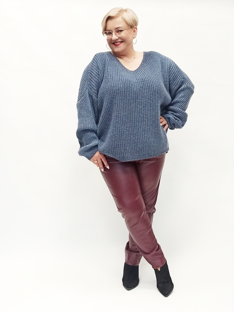 sweter oversize jeans